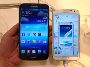 Samsung Galaxy Mega on the left and Galaxy Note 2 on the right