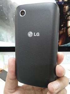 LG L40 Back