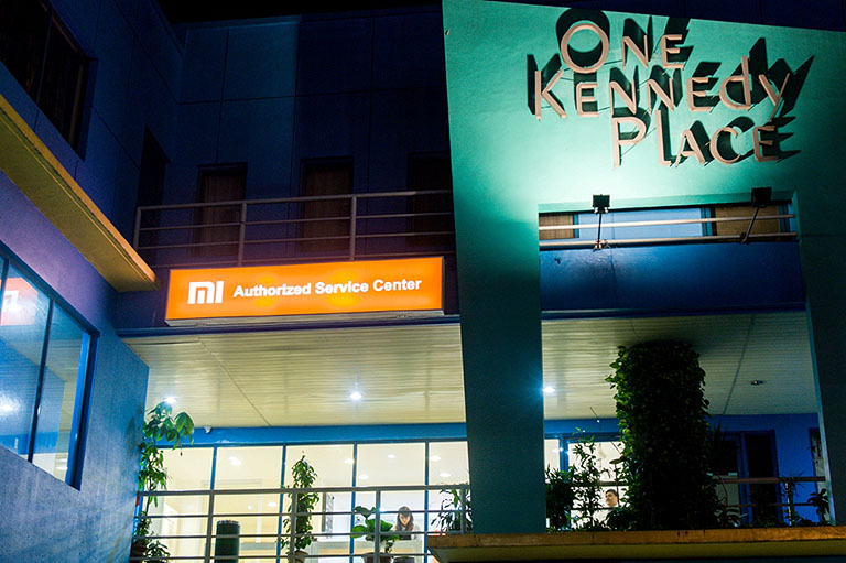 Mi Exclusive Service Center at One Kennedy Place