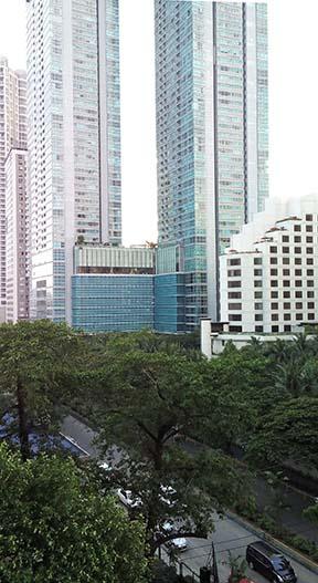 magna-outdoor-daytime