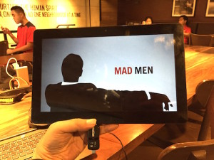 Watched the series finale of Mad Men on my O+ Convertible while the USB flash drive is plugged in