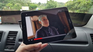 Streaming Anthony Bourdain's Parts Unknown while on the way to El Nido