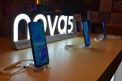 Huawei Nova 5t Possibly The Best Mid Range Phone In 2019